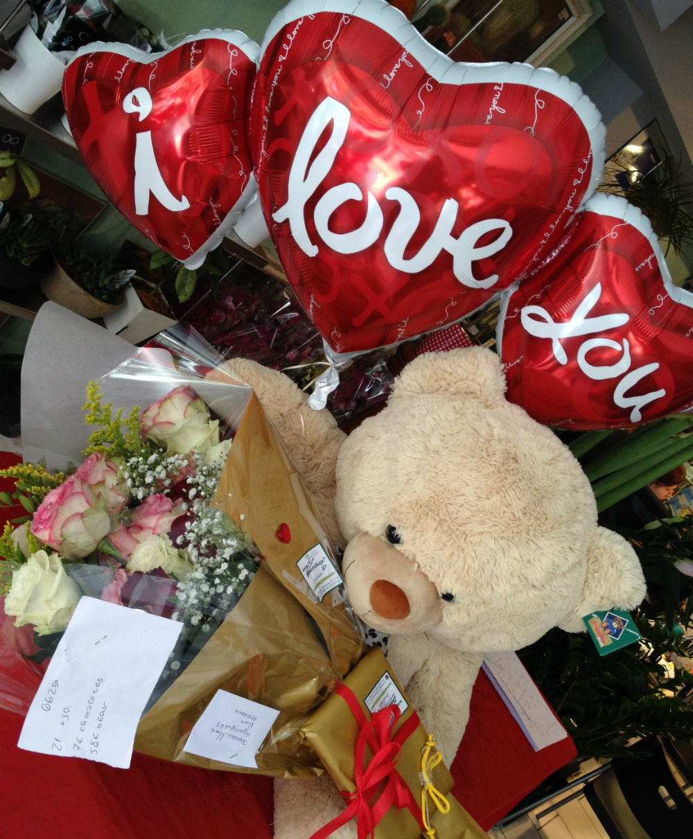 Valentine Season Flowers Bouquet + Balloon + Teddy X Large . Special